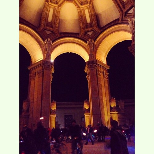 The Palace of Fine Arts was aglow with blinkies.  That's @bikepretty for this awesome shot!