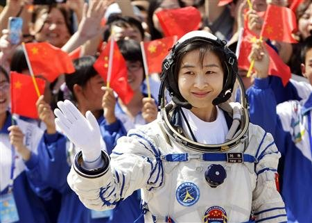 Chinese-spacecraft-makes-historic-docking-5