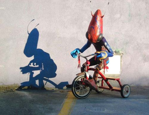 Riding-the-Trike alien